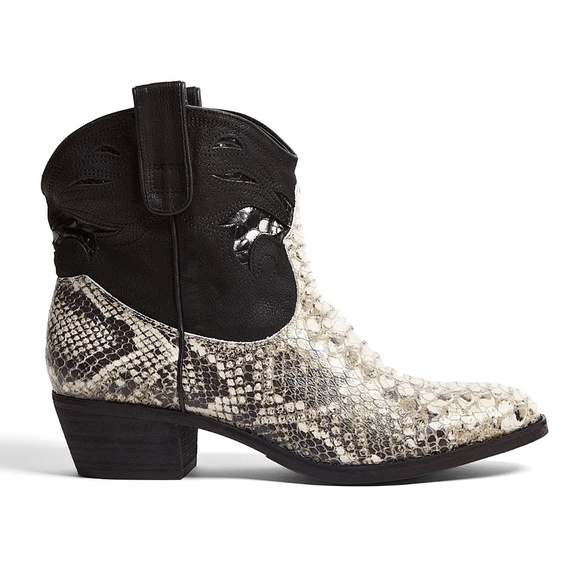 4b7440b13ecd4e Sam Edelman Short Snake Stevie Cowboy boots 8 new
